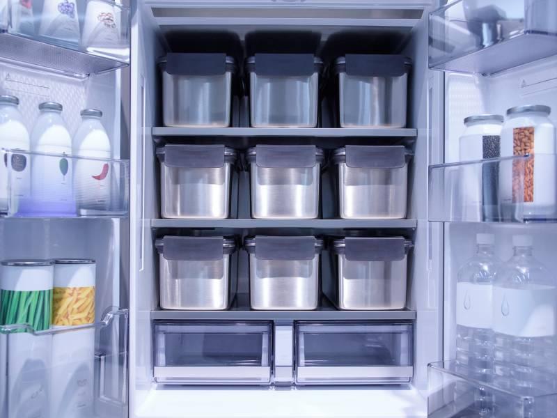 Ανοιχτή Πόρτα Ψυγείου Με Πράγματα